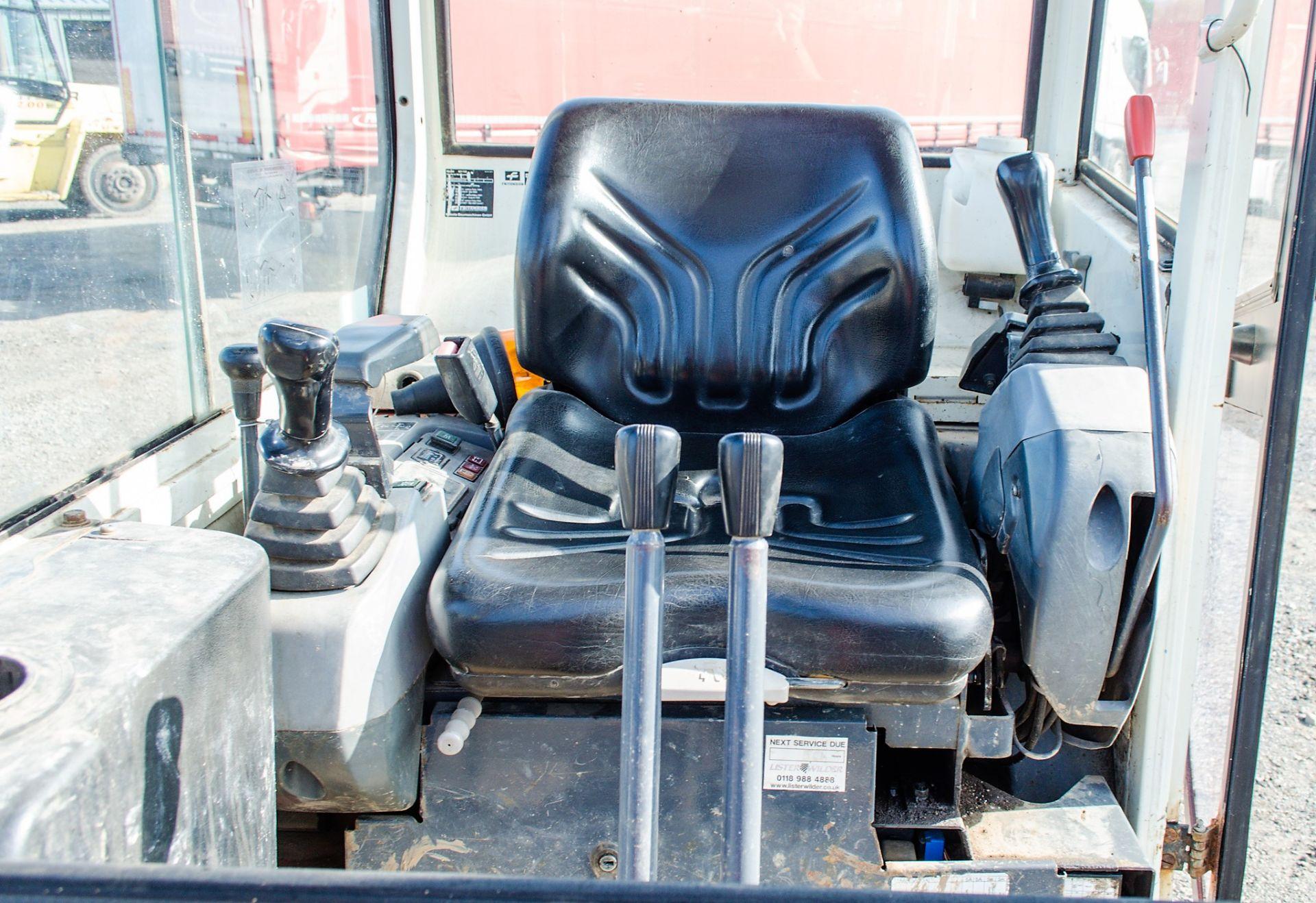 Kubota KX36-3 1.5 tonne rubber tracked mini excavator Year: 2007 S/N: Z077298 Recorded Hours: 4205 - Image 17 of 18