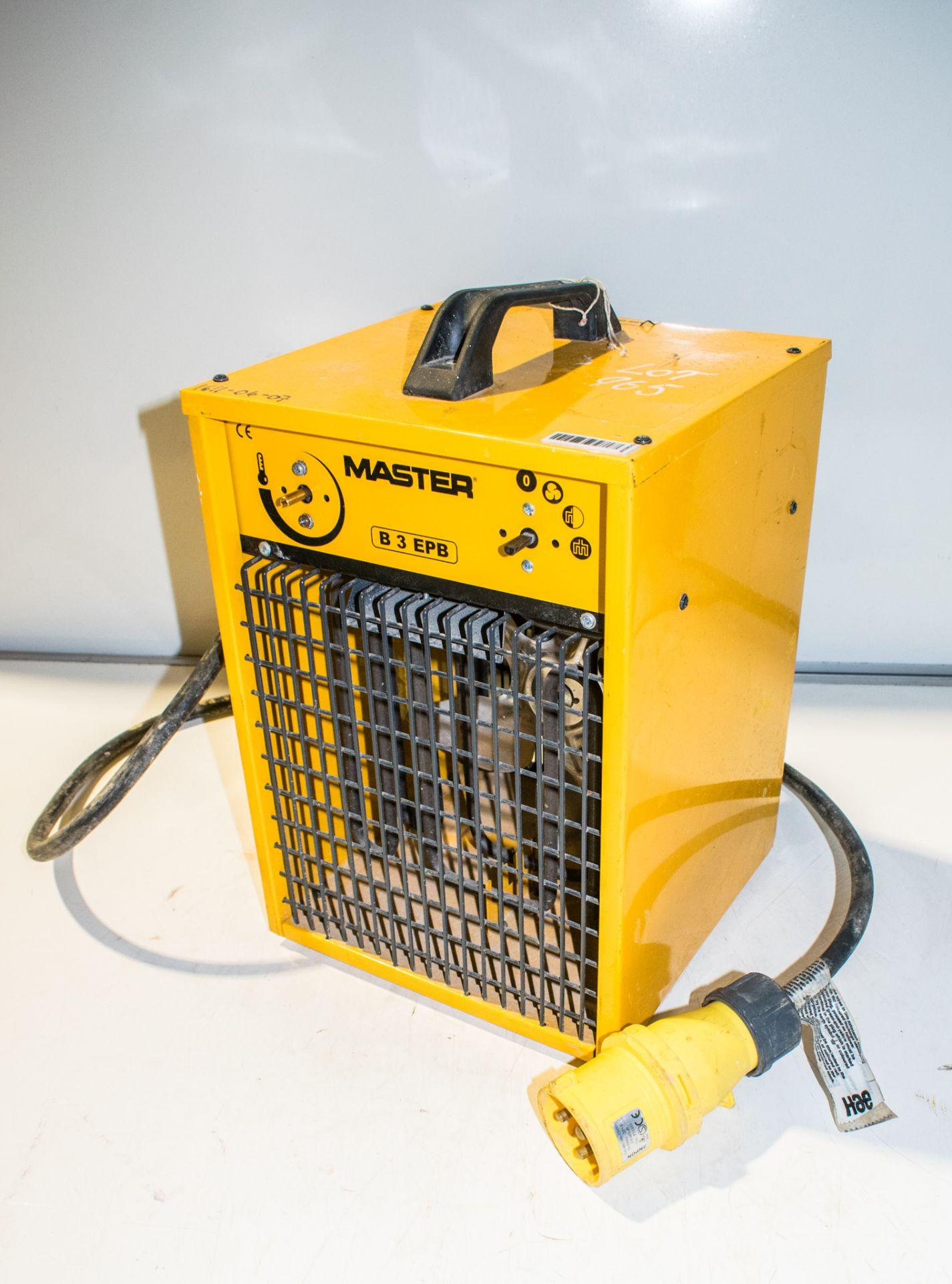 Lot 965 - Master 110v fan heater