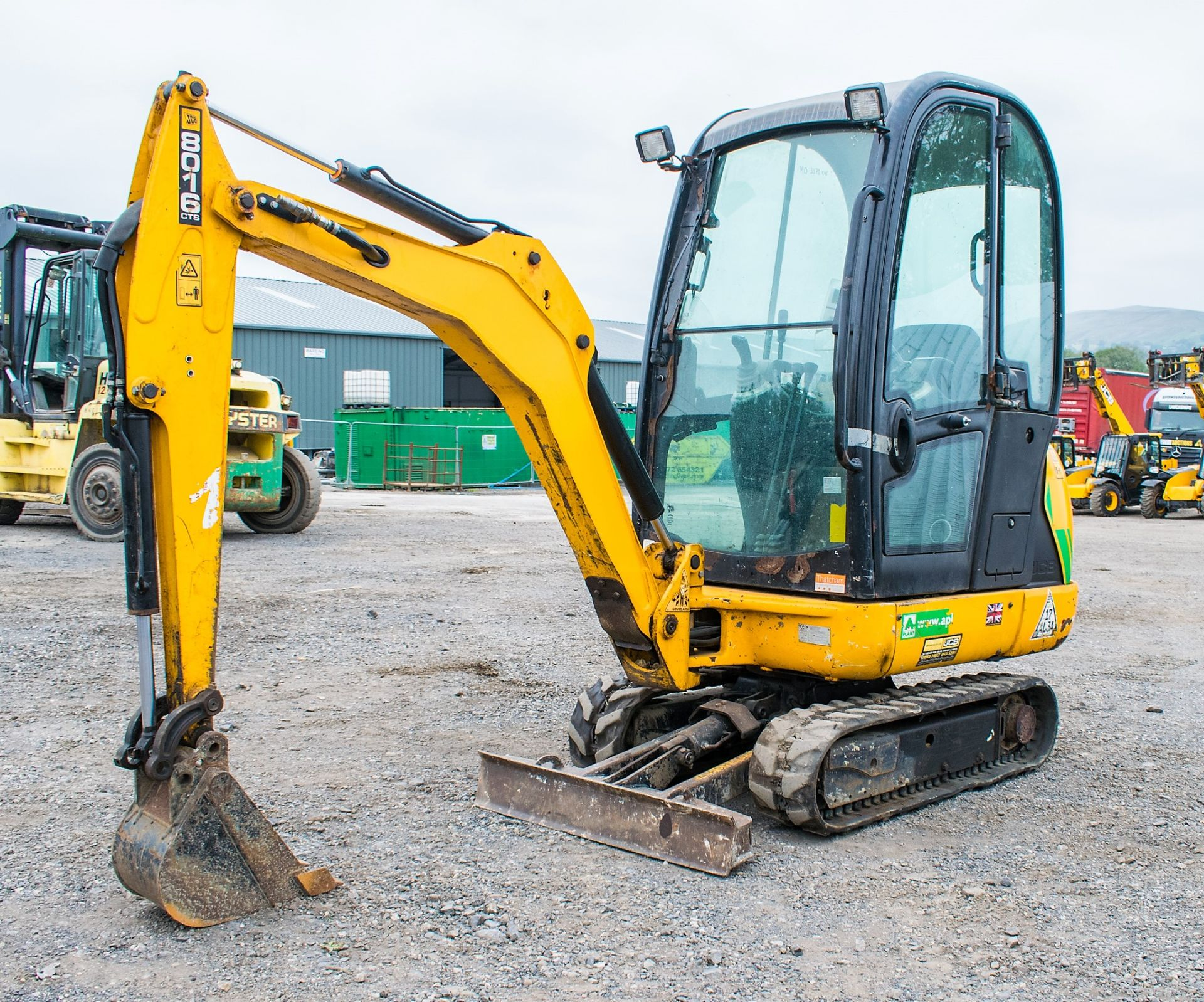 JCB 8016 1.6 tonne rubber tracked excavator  Year: 2015 S/N: 1733 Recorded Hours: 1861 A669405