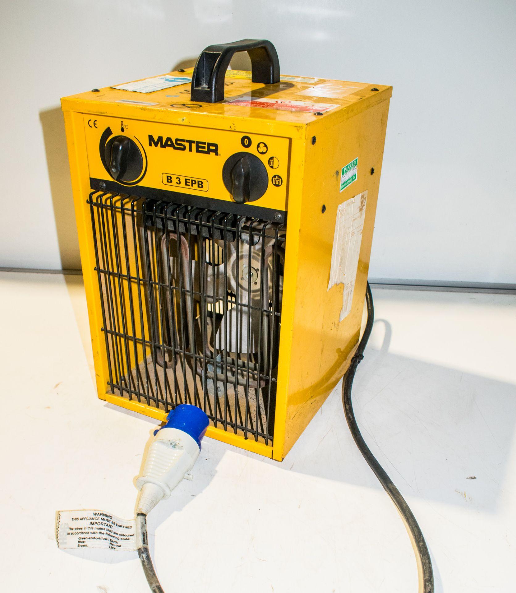 Lot 967 - Master 240v fan heater