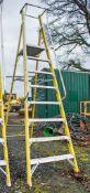 Clow 8 tread fibreglass framed step ladder A778022