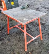 Ridgid collapsible steel work bench c/w engineers vice A755306