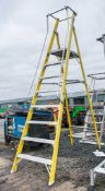 Clow 8 tread fibreglass framed step ladder A774102