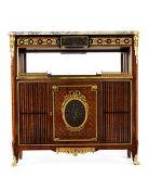 """Schaukabinett im Louis XVI-Stil 124 x 40 x 122 cm. Gemarkt """"mobilier decoration ancient et modern"""
