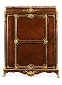 Kabinettschrank in der Art von Linke 155,5 x 125 x 46 cm. Paris, Ende 19. Jahrhundert. In vier