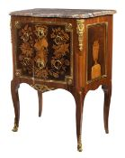 """Kommode aus der übergangszeit 87 x 66 x 40 cm. Gestempelt: """"N. Petit"""" (Nicolas Petit, 1732-1791),"""