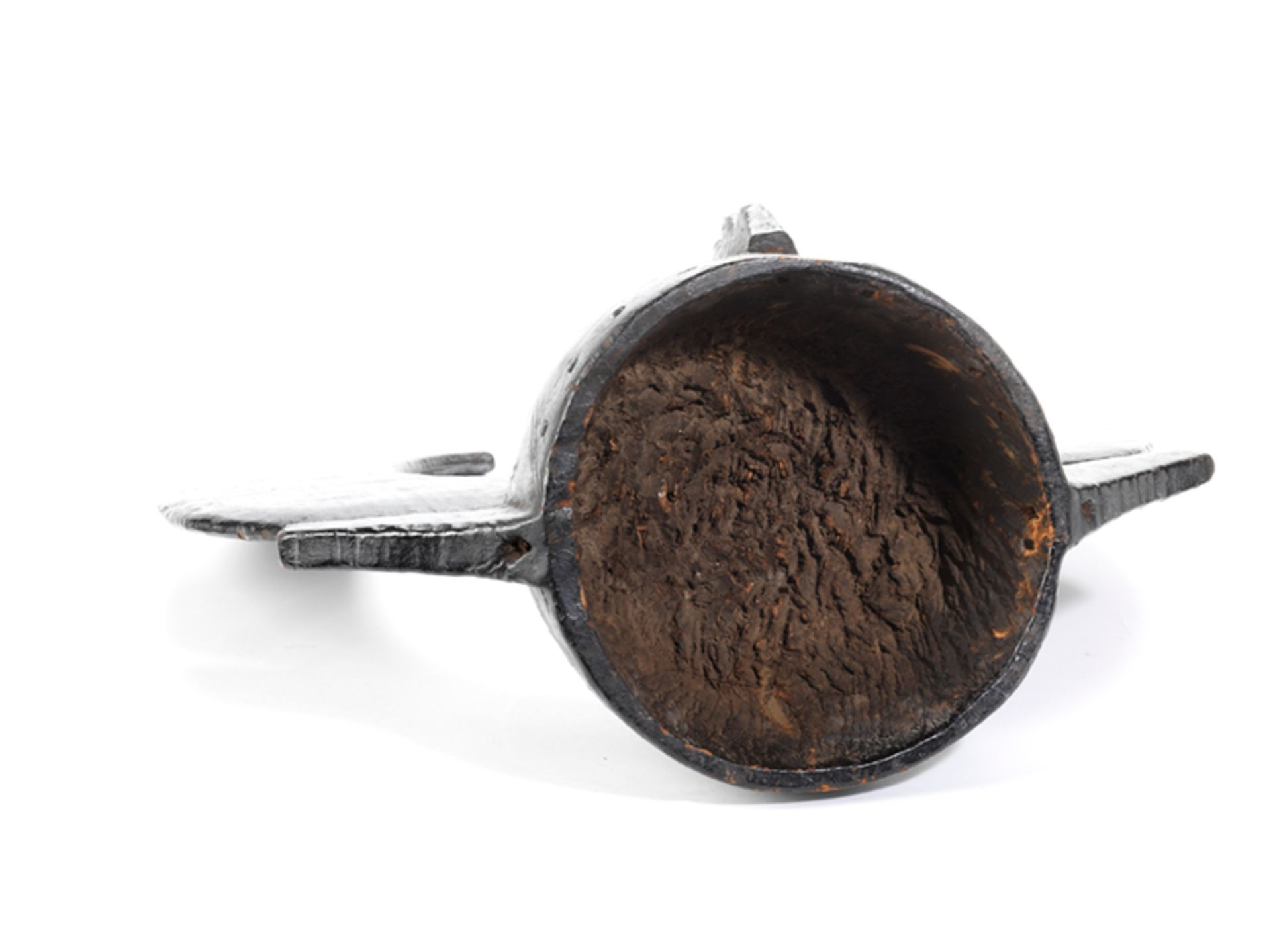 Los 889 - Senufo-Helmmaske Höhe: 52 cm. Elfenbeinküste. Holz, geschnitzt, mit schwarzer Patina....
