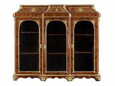 Bibliothek im Louis XV-Stil Höhe: 170,5 cm. Breite: 189 cm. Tiefe: 42,5 cm. Frankreich, 19.