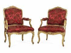 "Paar elegante LOUIS XV-Fauteuils Lehnenhöhe: 89,5 cm. Sitzhöhe: 47 cm. Einmal gestempelt ""FALCONET""."