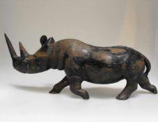 Nashorn, Holz, geschnitzt. 19. Jh. L- ca. 40 cm