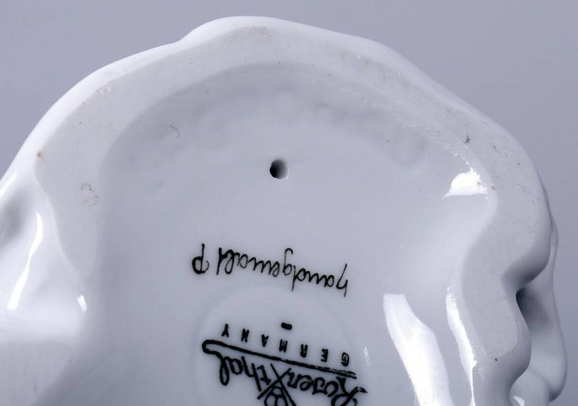 """""""Froschkönigin"""", Rosenthal, 20. Jhdt.Entwurf Lore Friedrich-Gronau (1908-2002), Porzellan, polychrom - Bild 6 aus 6"""
