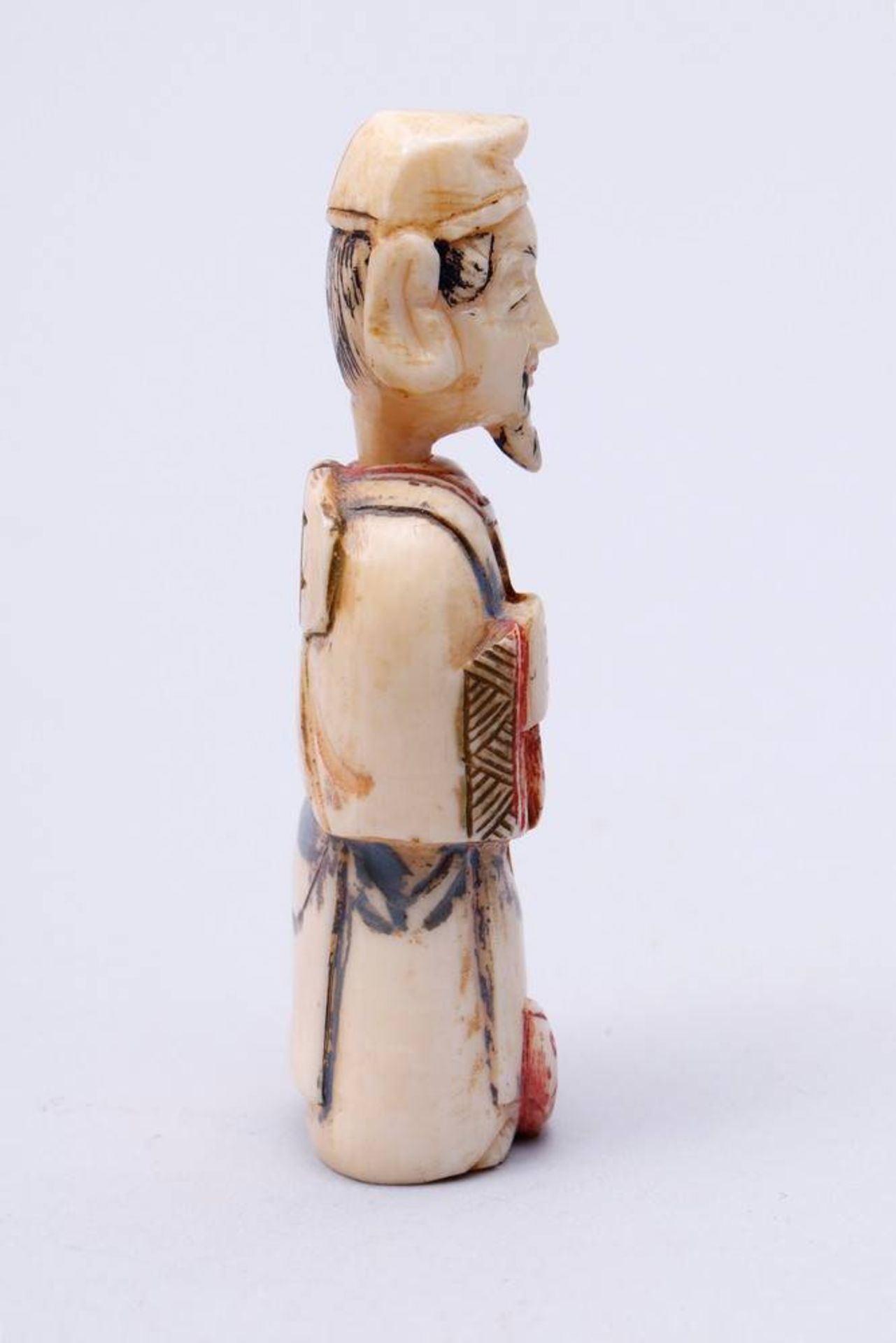 Figürliche Snuff-Bottle China, Anfang 20. Jh., stehender Fischer, Kopf als Verschluss, Elfenbein, - Bild 4 aus 7