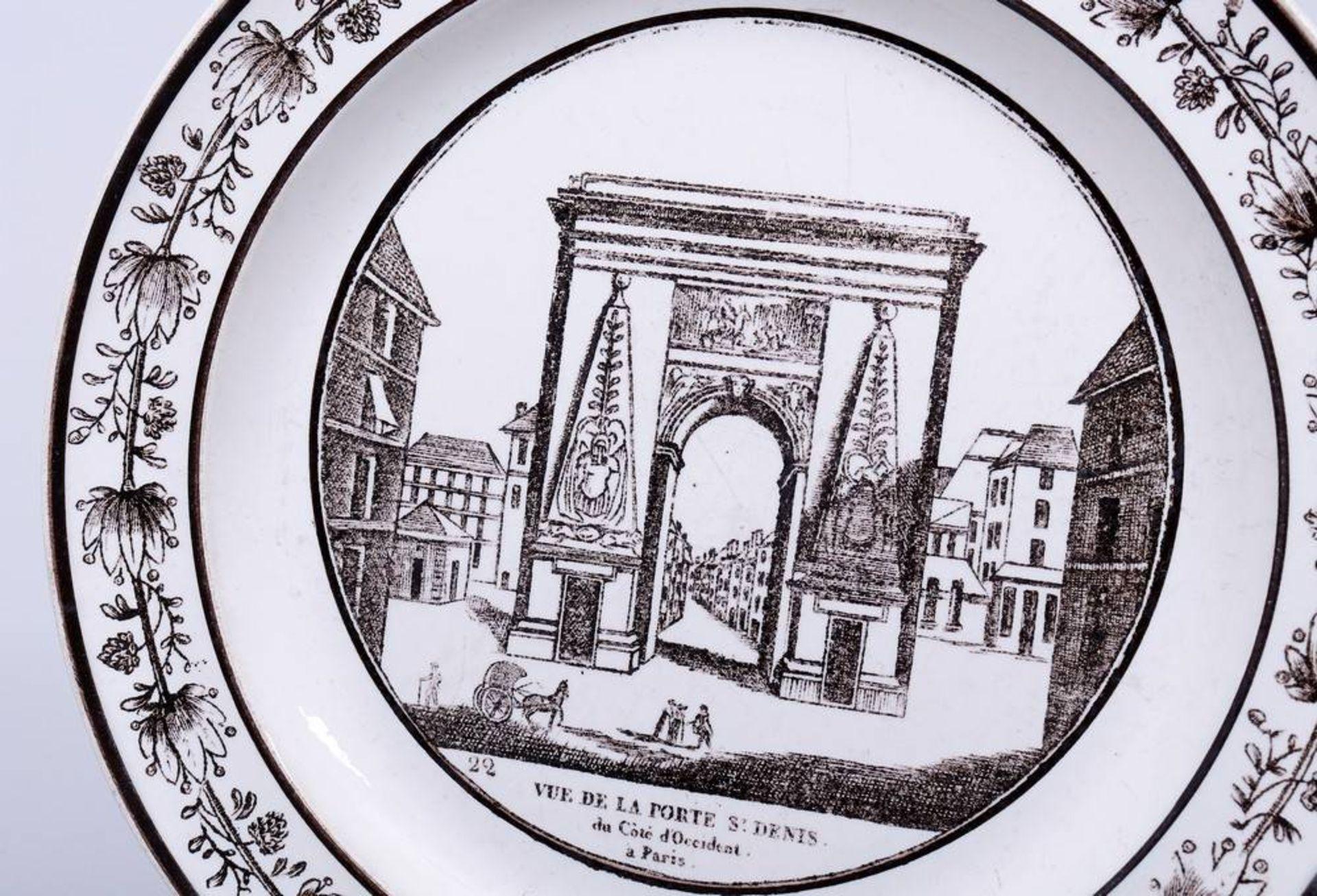 2 Teller, wohl Frankreich, 1. Hälfte 19.Jh. im Spiegel Schlachtenszene bzw. Ansicht des St. Denis - Bild 2 aus 6