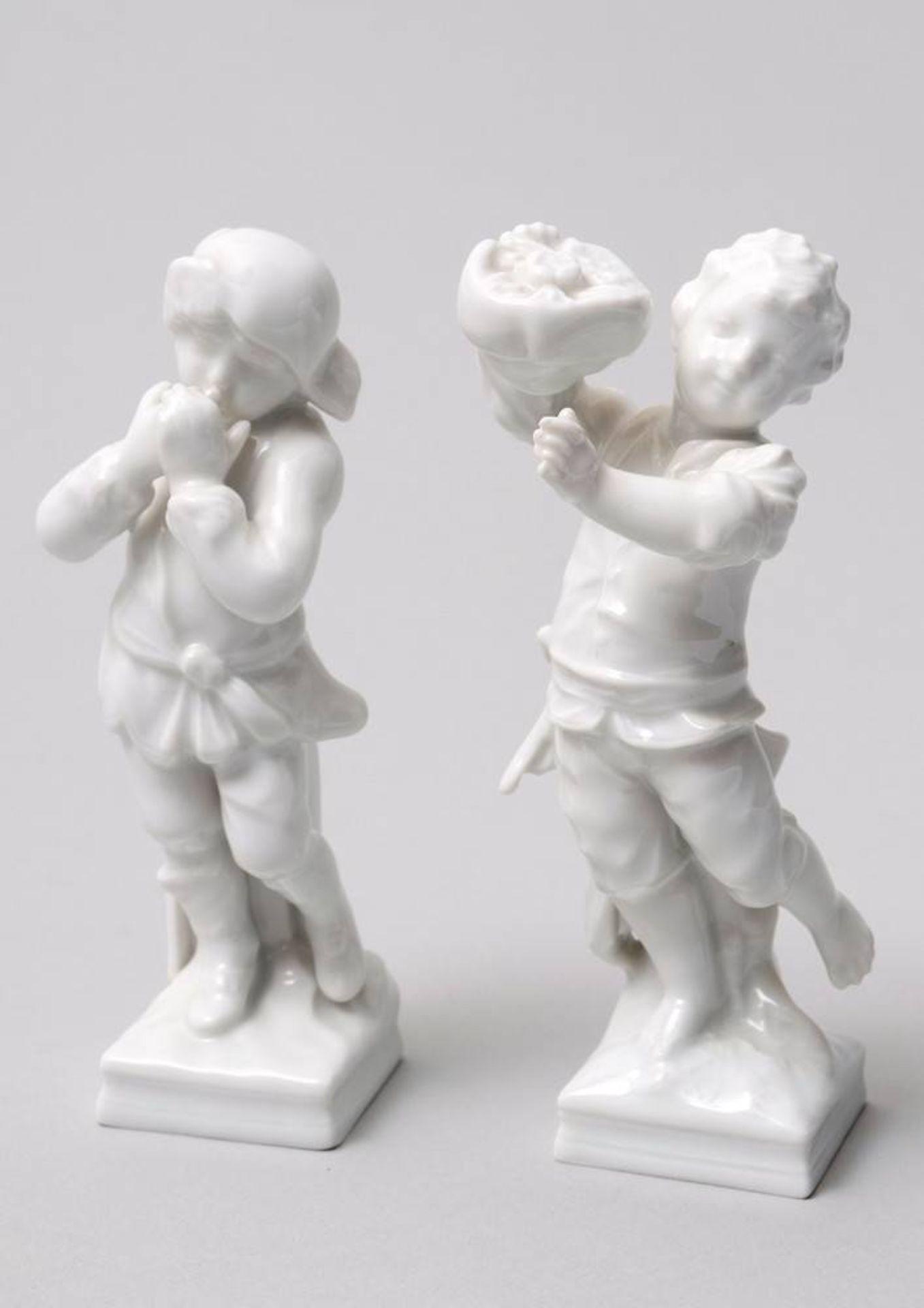 2 Jahreszeitenfiguren, KPM-Berlin, 20. Jhdt.Weißporzellan, Herbst und Winter, im Boden