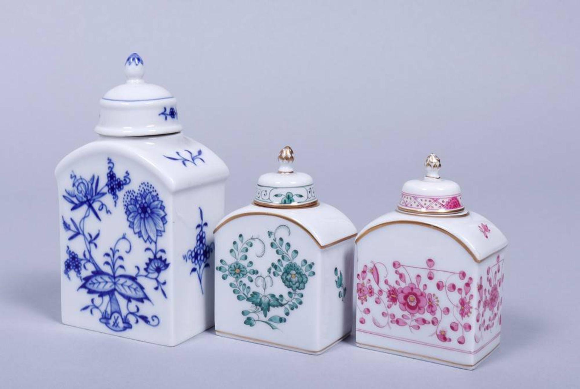 Konvolut Teedosen, u.a. Meissen und Royal Kopenhagen, 19./20.Jh. rechteckige Korpi mit gerundeten - Bild 4 aus 5