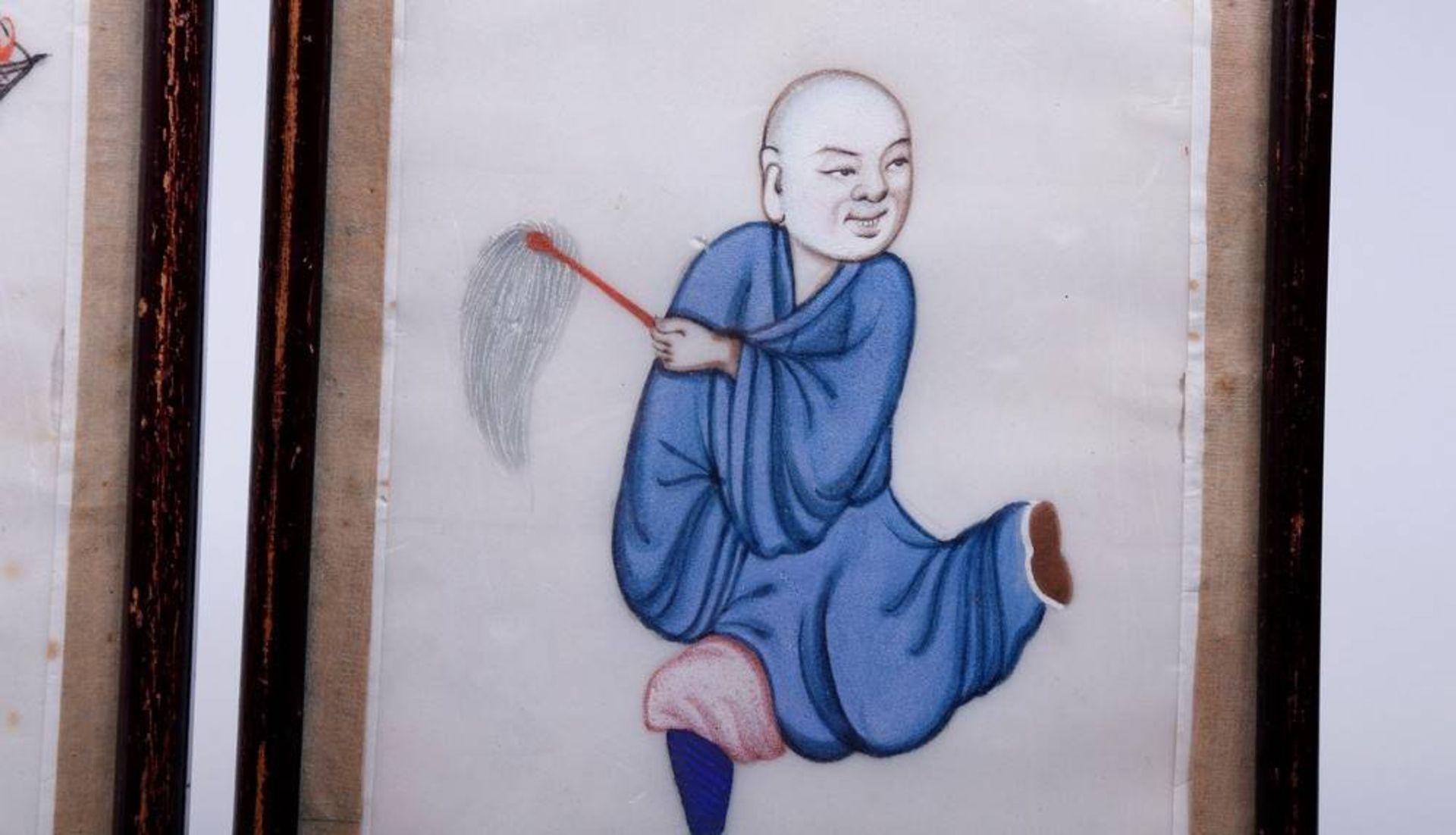 2 kleine Bilder, China, um 1900/20 Gouache auf Seide, figürliche Darstellungen, 19x11,5cm ( - Bild 3 aus 4