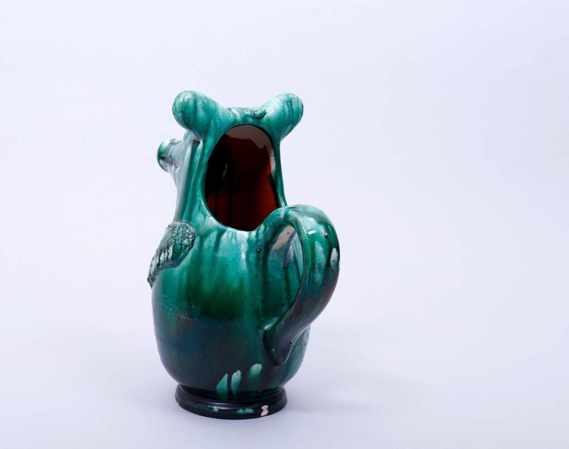 Figürlicher Krug, wohl deutsch Korpus in Gestalt eines stilisierten Tieres, rücks. Ohrenhenkel, - Bild 2 aus 4