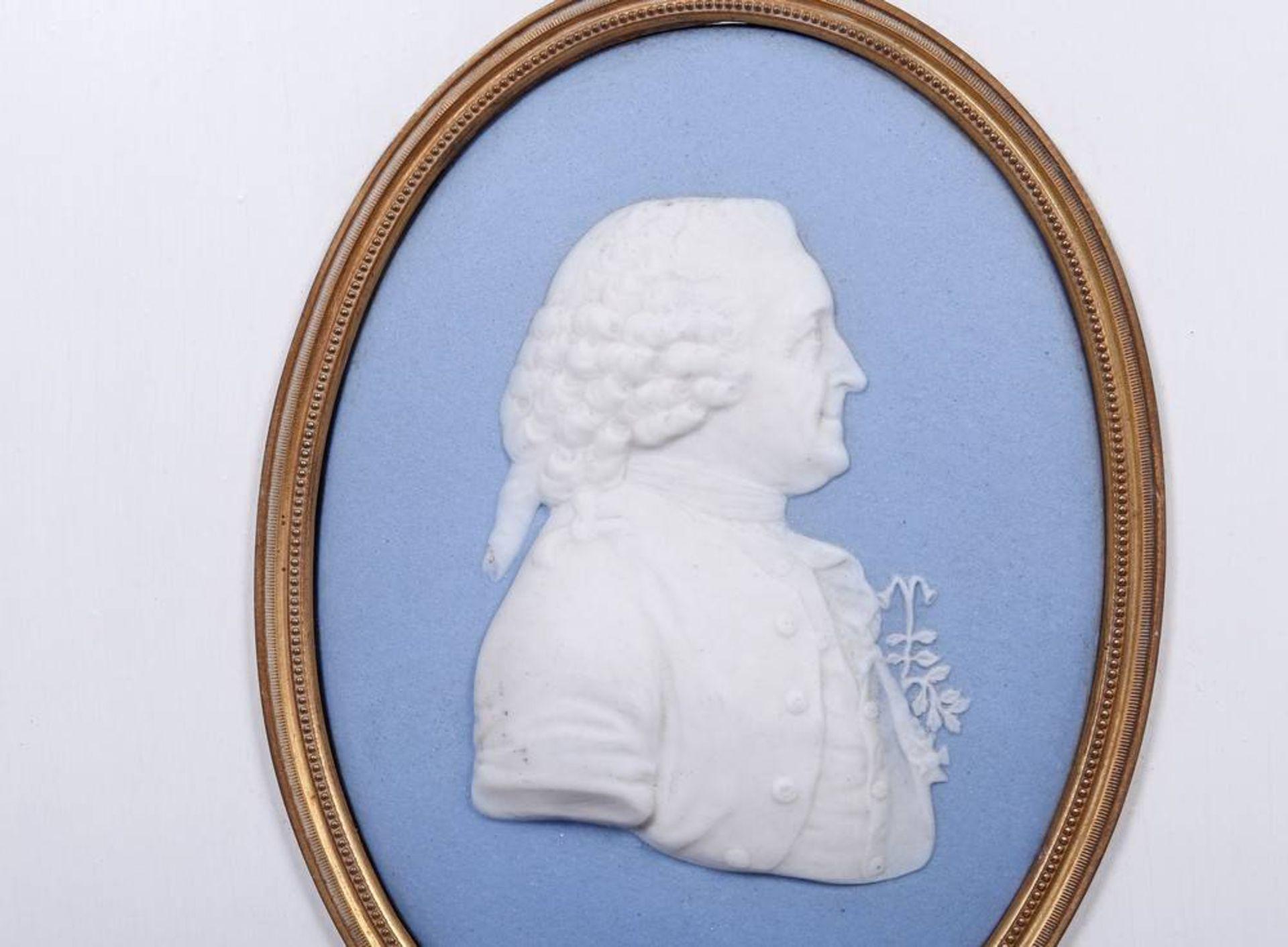 Portrait-Medaillon von Carl von Linné (1707, Råshult - 1778, Uppsala), Wedgwood, um 1800 sog. - Bild 2 aus 3