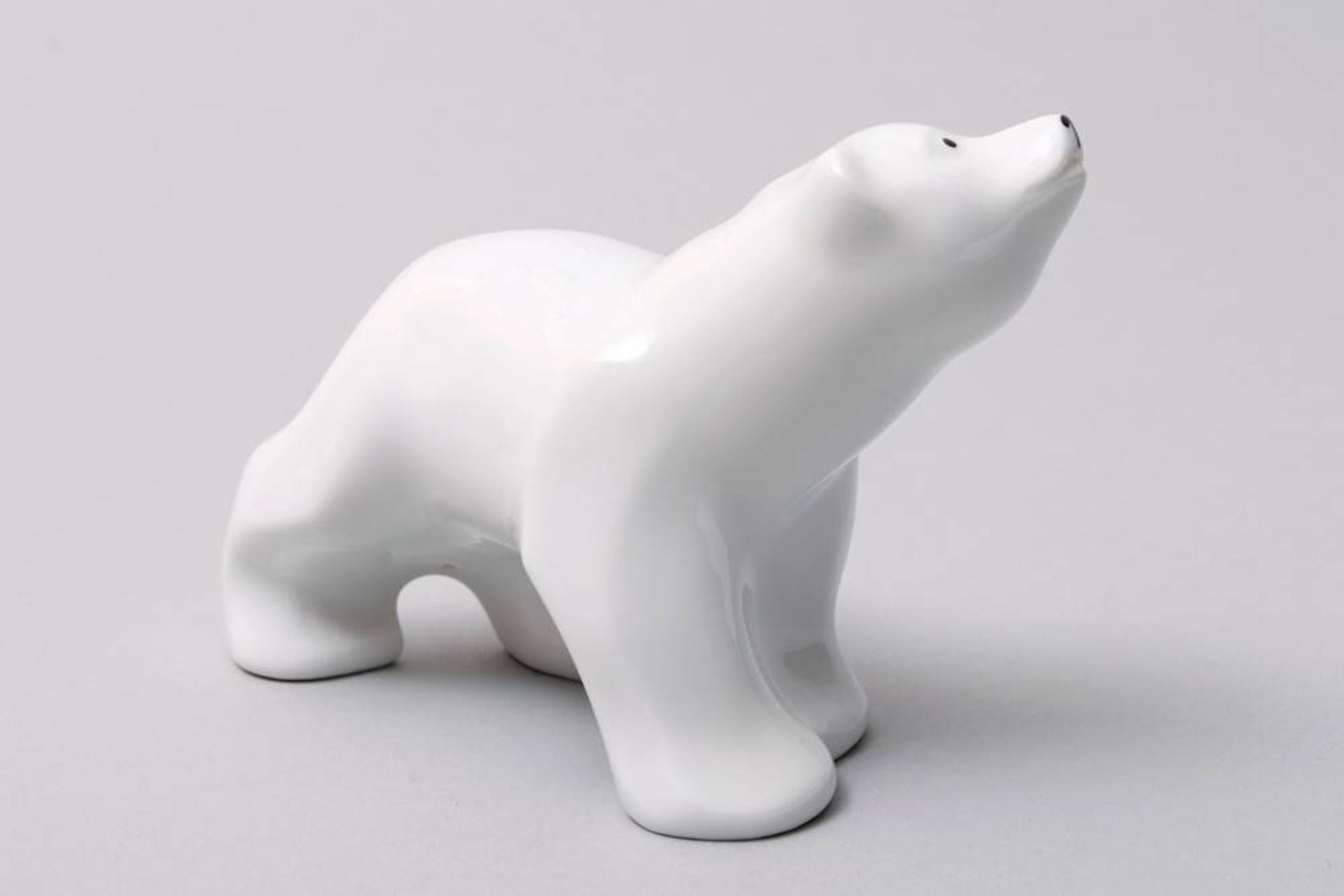 2 Bären, KPM-Berlin, 20. Jhdt. Weißporzellan, 1x sitzender Bär, die Pfoten hoch gestreckt, 1x - Bild 4 aus 5