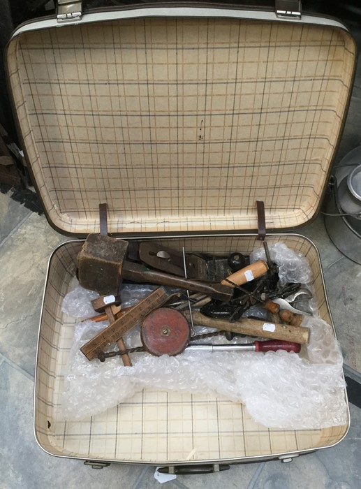 Lot 1400 - A collection of vintage tools in a 1960's suitcase