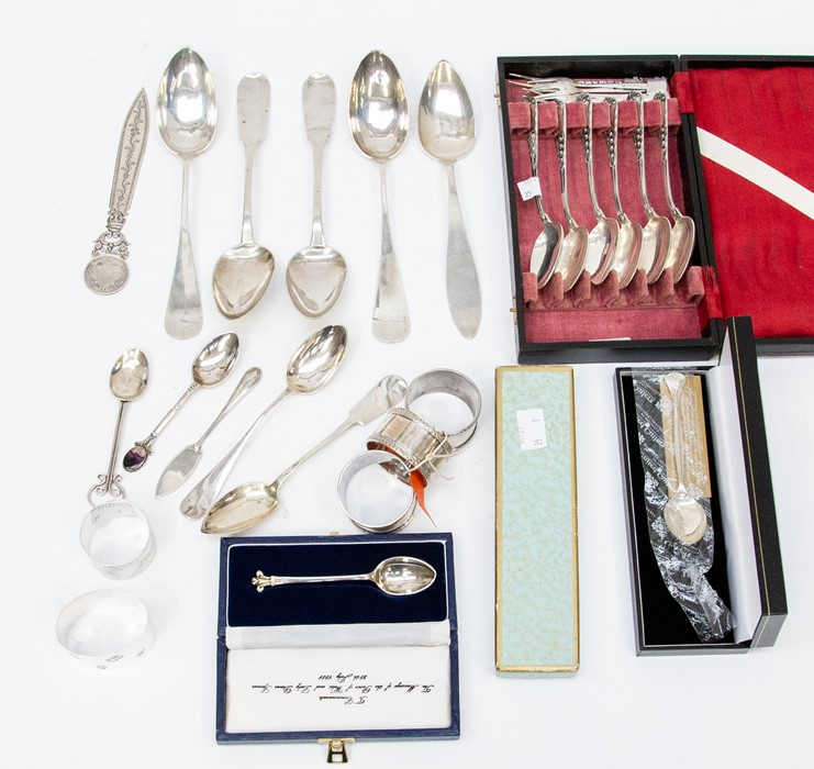 Lot 43 - A collection of silver, unmarked white matal and continental 800 items, to include a cased set of