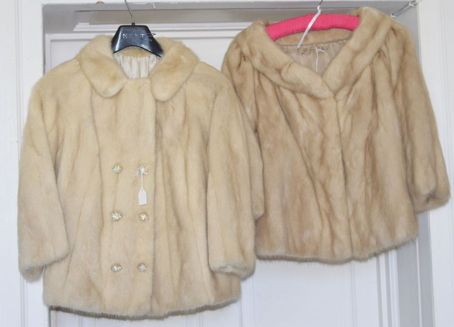 Lot 3314 - A white mink short jacket with a peter pan collar, with 6 diamante buttons form the 1960s and a