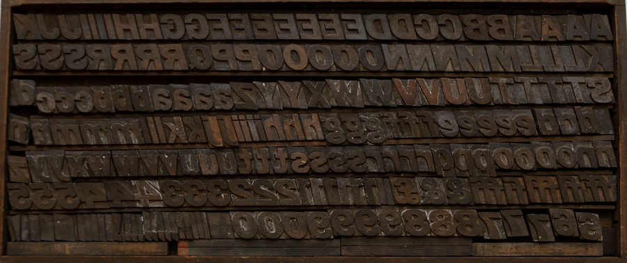 Lot 37 - Typography / Font / Graphic Design Interest. Early 20th-century printers' type. Full tray/set,