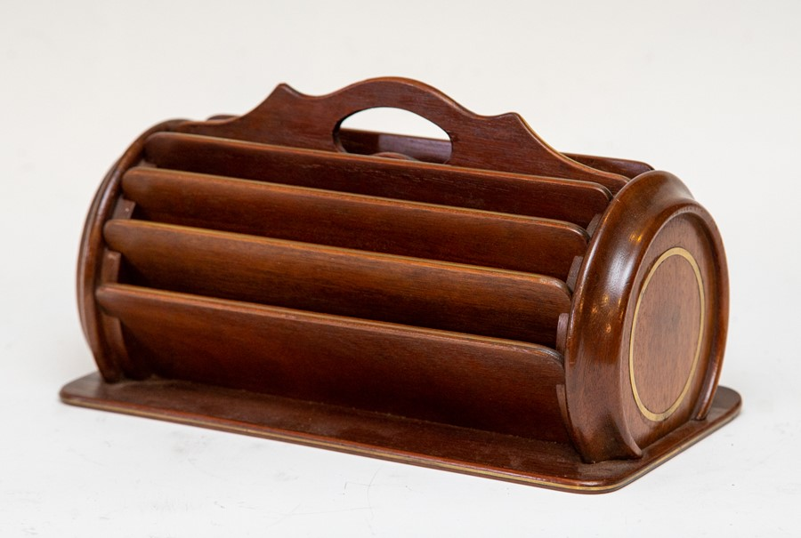 Lot 2553 - A mahogany desk top stationery tidy, brass strung, carry handle, width 26cm