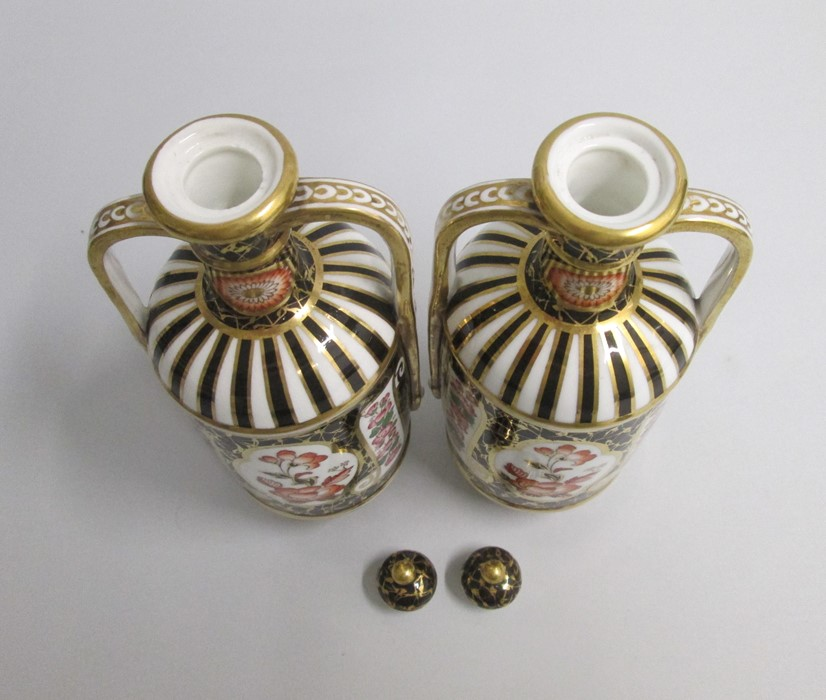 Lot 2162 - A pair of fine Wedgwood Imari Style Twin Handled Vases and Covers. Date: 1880 Size: 20cm high