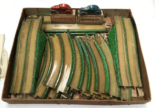 Lot 3514 - Marx Speedway, tinplate track and two clockwork cars,(one needs attention), non original box,