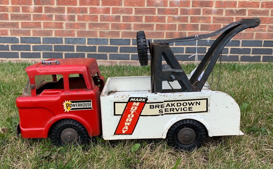 Lot 4275 - Triang: A mid-20th century Triang, tinplate, Ice Cream van, complete with original decals, missing