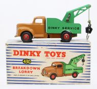 Dinky: A boxed Dinky Toys, Breakdown Lorry, 430, tan cab, green back, slight paint chips, original