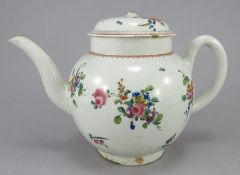 A late eighteenth century porcelain Liverpool Pennington teapot and cover, c.1780-90. It is hand-