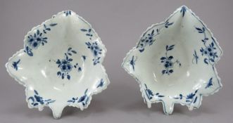 A pair of mid-eighteenth century blue and white hand-painted Worcester pickle dishes, c.1758-60.
