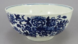 A late eighteenth century blue and white transfer-printed porcelain Worcester waste bowl, c. 1770-