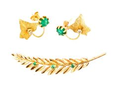 A French gold Leaf Brooch claw set vertical row of