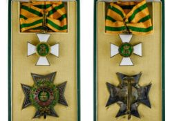 Luxembourg Order of the Oak crown, Commander's cross, 50mm, and Commander's breast badge, 70mm, In a