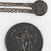 """Medaille und Kette I. WK 1 x Medaille """"In Eiserner Zeit 1916 - Gold gab ich zur Wehr. Eisen nahm ich"""
