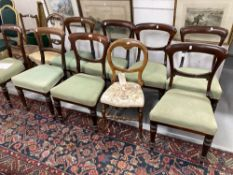 19th cent. Mahogany and rosewood harlequin set of dining chairs, bar back, four with fluted legs,