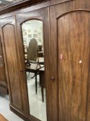 19th cent. Mahogany compactum/wardrobe with fitted interior. 66½ins. x 80ins. x 19ins.