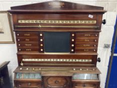 Games/Pastimes: 19th cent. Stevens & Sons mahogany snooker/billiards scoreboard, complete with