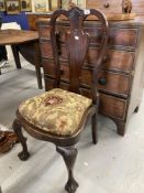 18th cent. Rosewood dining chairs, acanthus splat backs on ball an claw supports. A pair.
