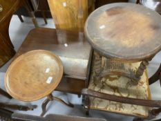 19th cent. Mahogany drop leaf side table on turned supports. 21ins. x 27ins. x 22ins high. Plus a