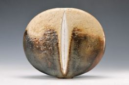 vase, Gotlind and Gerald Weigel, 1960s, stoneware, flat round shape, tawny and silver brown