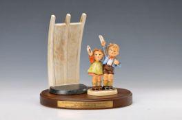 "Hummel figurine, Goebel, 2.H.20.th. century, ""Luftbrücke Berlin"", limited edition No. 24080, with"