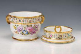 Wine cooler/flower pot, probably Samson Paris,with apocryphal Meissen-brand mark, around 1860,