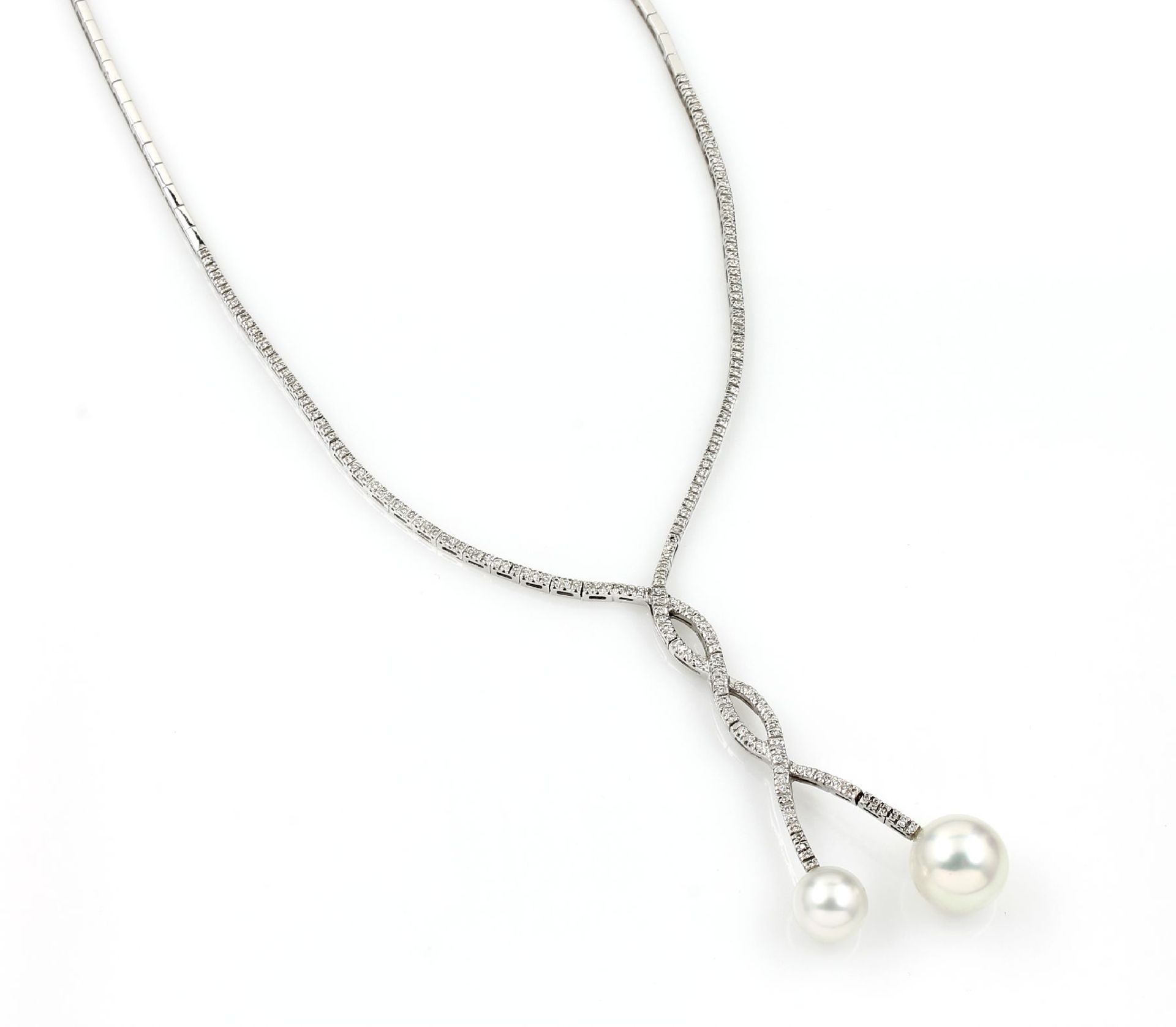 Los 31535 - 18 kt gold necklace with brilliants and south seas pearls , WG 750/000, diamonds total approx. 2.