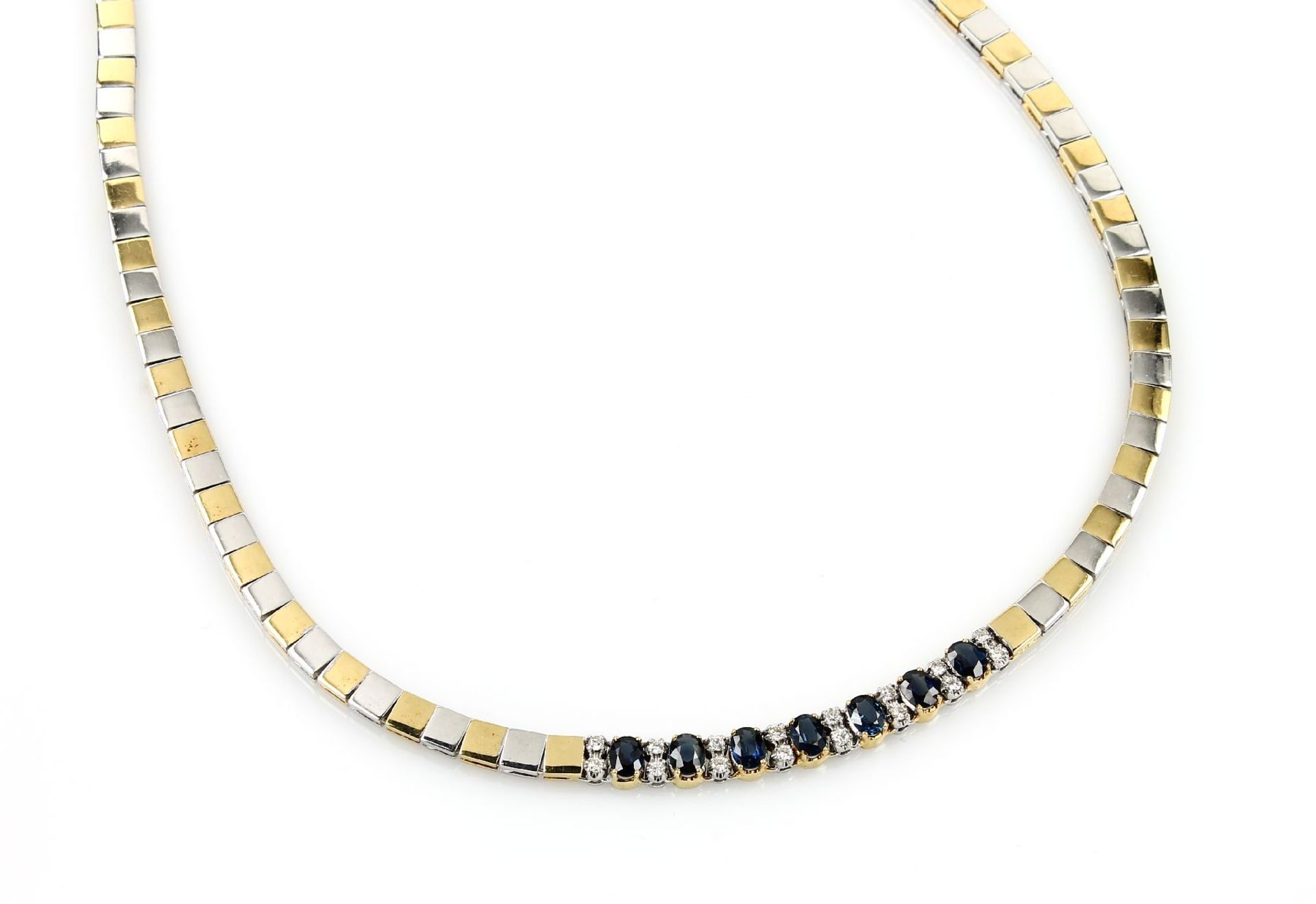 Los 31546 - Necklace with sapphires and brilliants , YG/WG 750/000, 7 oval bevelled sapphires totalapprox. 4.