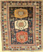 Schirwan antik, Kaukasus, um 1900, Wolle auf Wolle, ca. 134 x 116 cm, EHZ: 4-5
