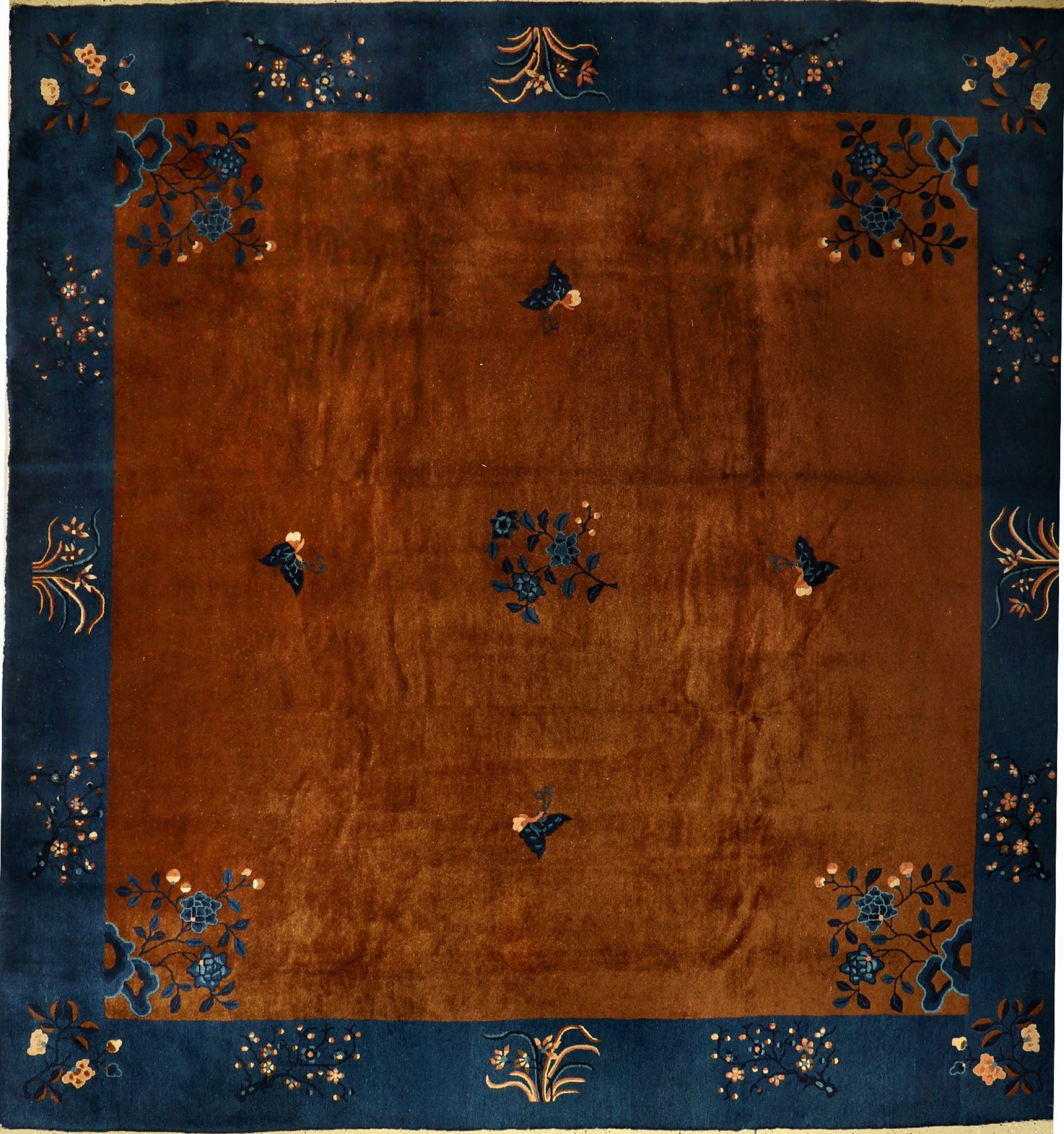 Beijing carpet, China, late 19th century, woolon cotton, approx. 370 x 358 cm, condition: 2.